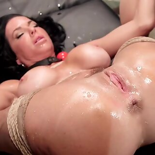 Busty Milf anal fingered and made squirt