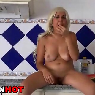 Big Tits Blonde outdoor. Provocative in a rainning day