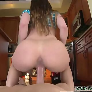 The Plumber gets His Pipe Cleaned - Bambi Brooks