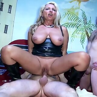German Mature at first Threesome with two Stranger at Swingerclub