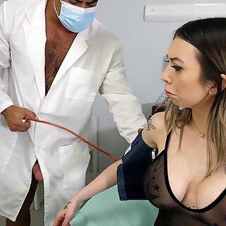 I fucked 2 Doctors - Kat Dior, Dillon Diaz, Draven Navarro - Bi Anal 3some