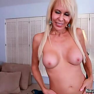 Spoiled milf Erica Lauren performs astonishing blowjob to a fresh cock