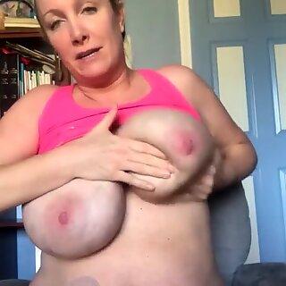 The famous moomy big boobs massage youtuber