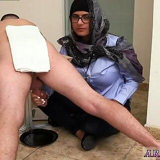 Muslim grandma Black vs White, My Ultimate Dick Challenge.